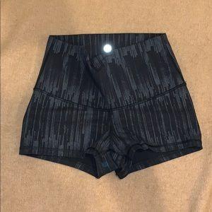 Lululemon spanx/shorts